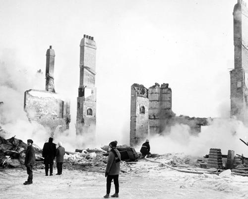 La villa du Bois-de-Coulonge en ruine au lendemain de l'incendie